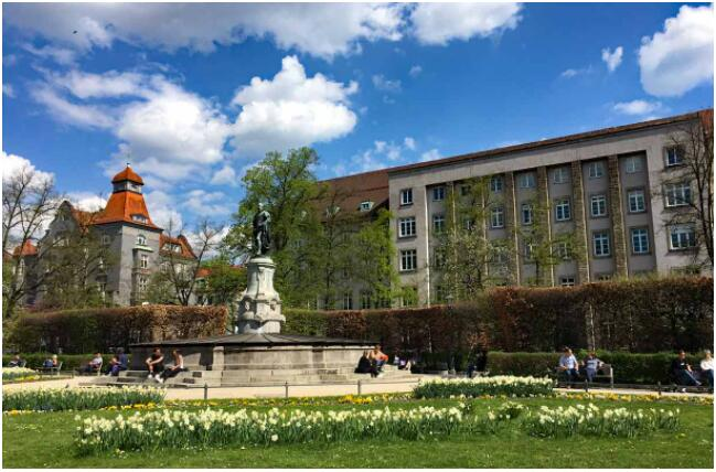FLIGHTS, ACCOMMODATION AND MOVEMENT IN AUGSBURG